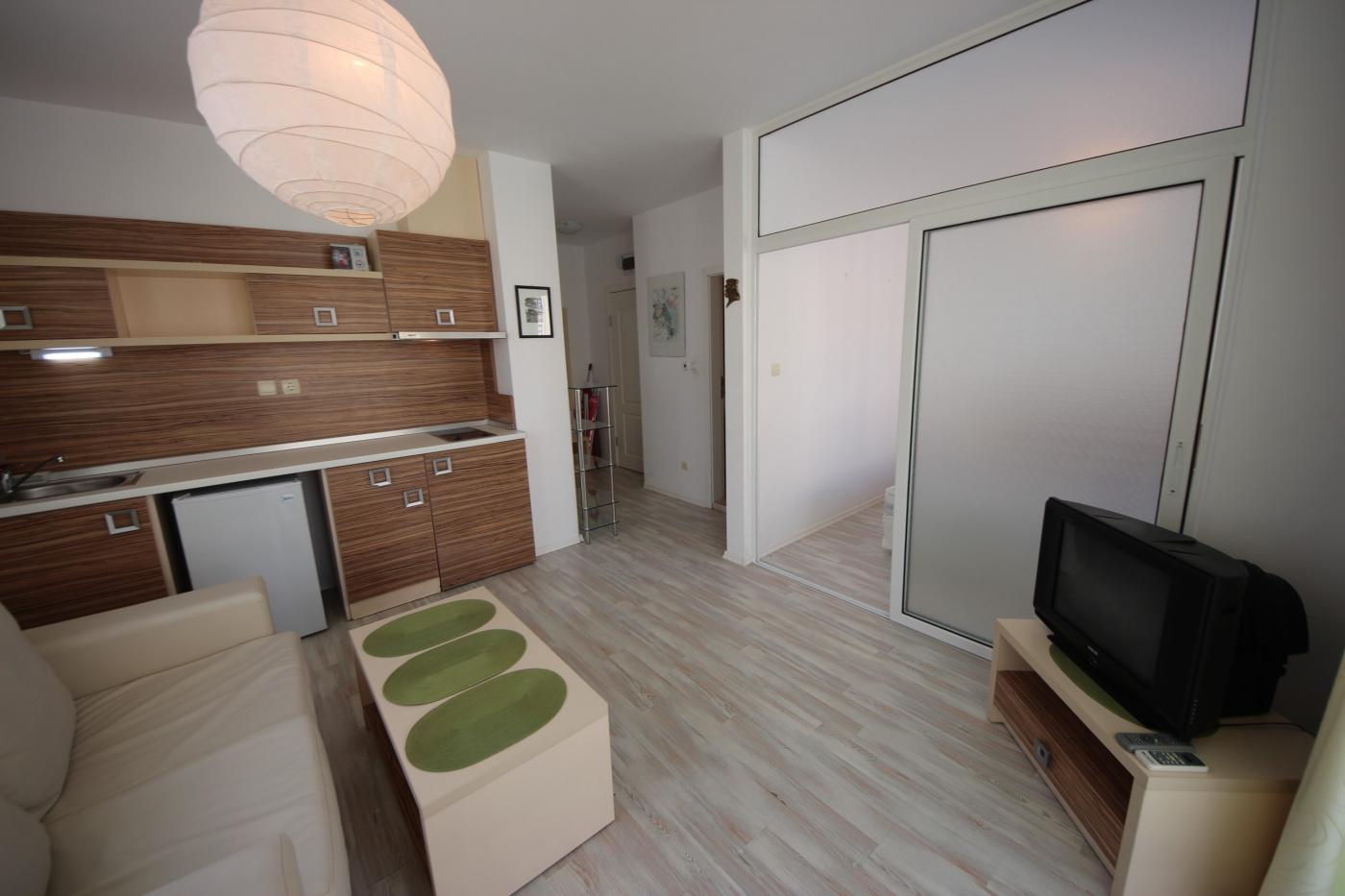 Rainbow 4 apartment C 404