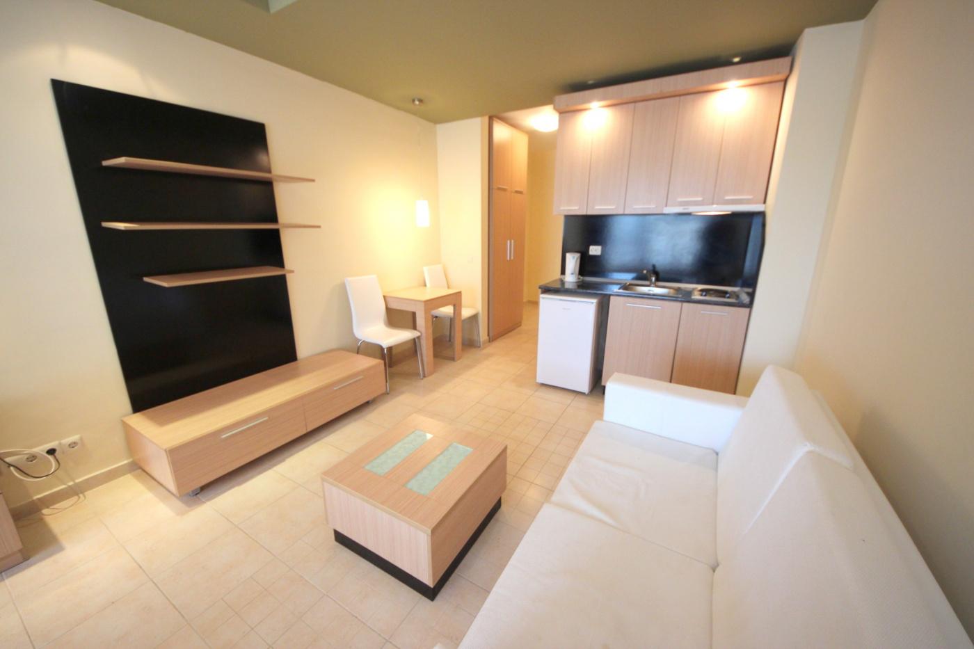 Green Life apartment P-1
